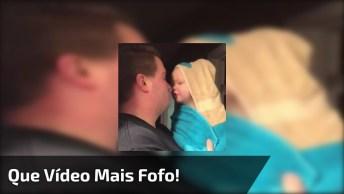 Bebês Dando Risadinhas Com Seus Papais, O Vídeo Mais Fofo Que Você Vai Ver Hoje!