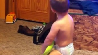 Bebês Fazendo As Caretinhas Mais Engraçadas Que Se Possa Imaginar!