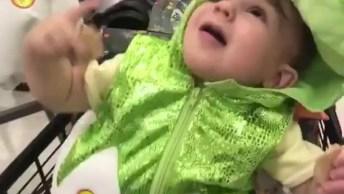 Bebês Fazendo Coisas Engraçadas, Você Consegue Ficar Sem Rir?