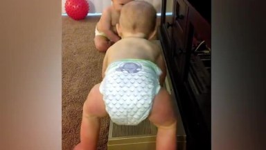 Bebês Gêmeos É Emoção E Fofura Em Dose Dupla, Confira E Compartilhe!