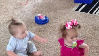 Bebês Mais Hilários Do Dia, Você Vai Rir Muito Com Eles Hahaha!