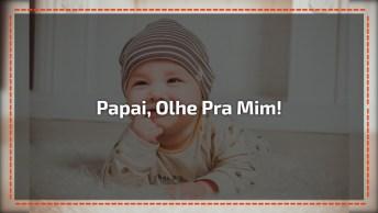 Bebês Tem O Poder De Arrancar Sorrisos Das Pessoas, Olha Só Como Gosta Do Papai!