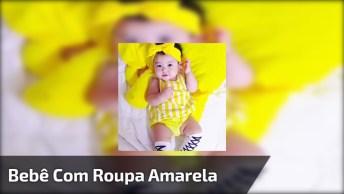 Bebezinha Linda Com Roupinha Amarela, Olha Só Este Sorrisinho!