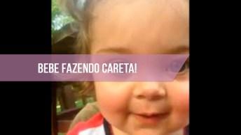 Bebezinha Linda Fazendo Careta Para Câmera, Que Fofura De Menininha!