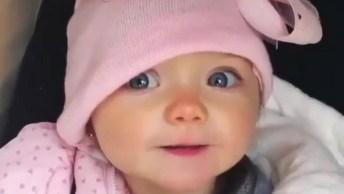 Boa Noite Com Beijinhos Fofos De Uma Bebê, Que Fofura, Confira!