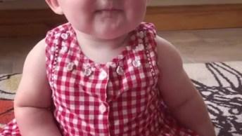 Como Fazer Um Bebê Chorar Em 3, 2, 1. . . Ela Se Assustou, Coitadinha!