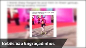 Como Os Bebês São Engraçadinhos! Veja Só Este Imitando O Pessoal Que Dançava!