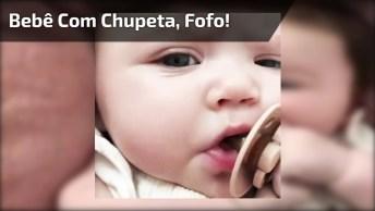 Gracinha De Bebê Com Chupeta, Uma Fofura Para Postar No Facebook!