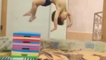 Já Viram O Homem Aranha Quando Era Pequeno? Aqui Esta O Vídeo Dele Com 2 Anos!