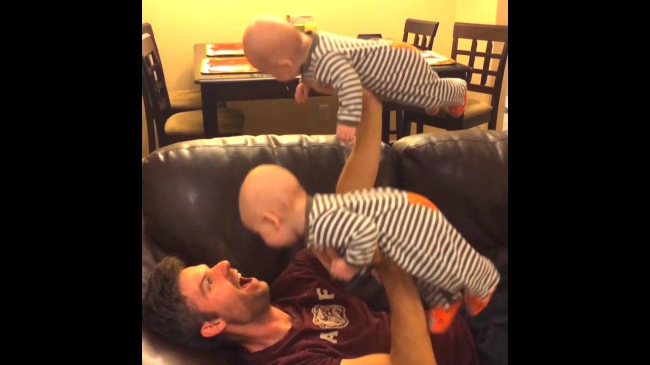 Momentos engraçados com bebês