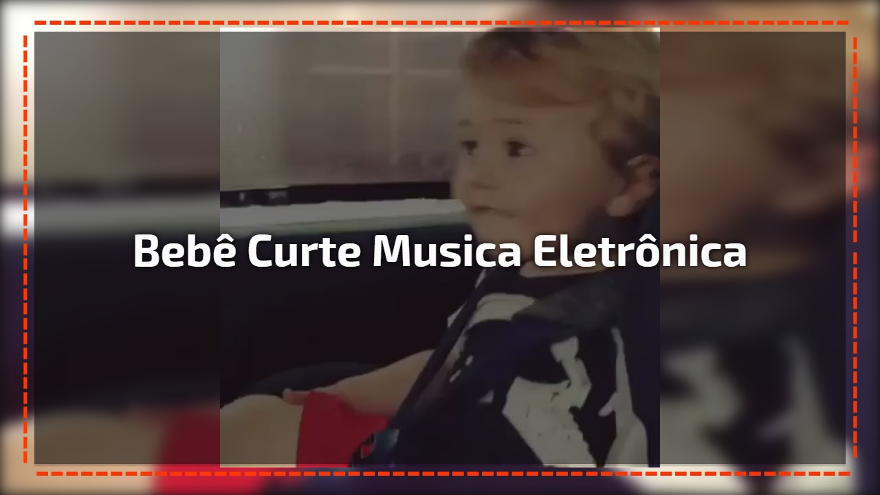 Bebê curte musica eletrônica