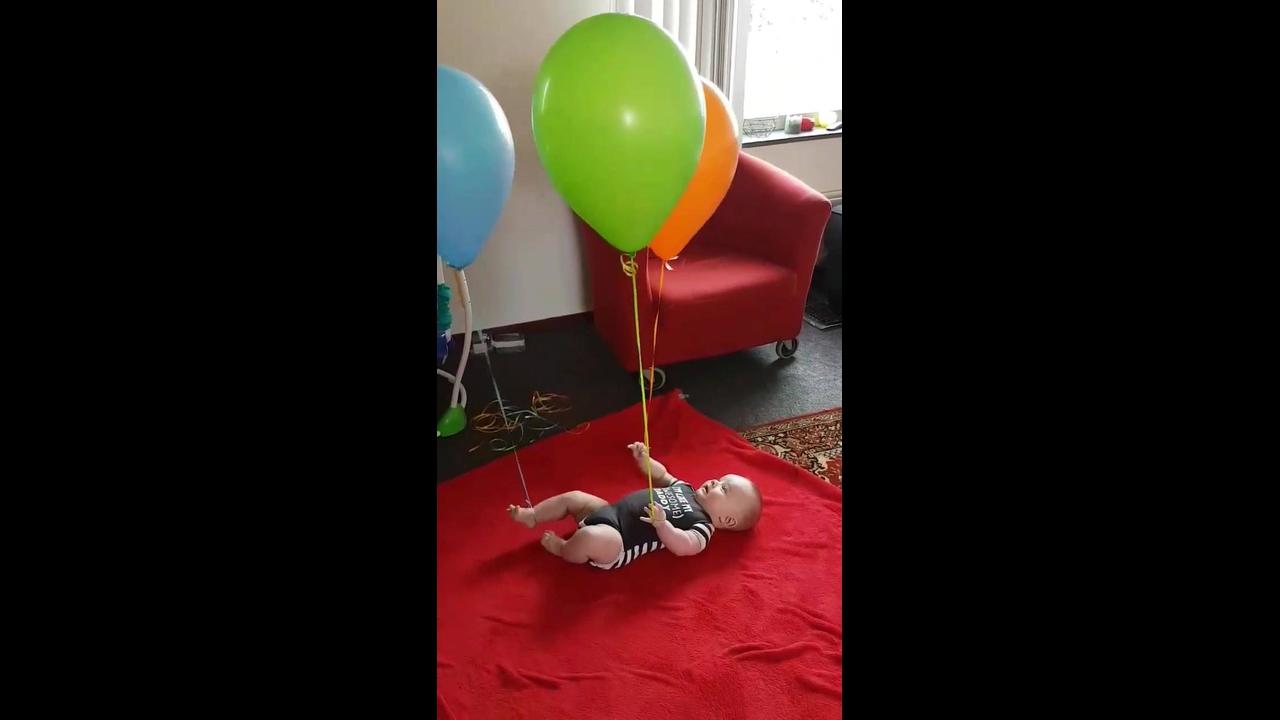 Tutorial de como entreter seu bebê