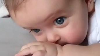 Vídeo Com Bebê Mais Lindo Que Você Já Viu, Que Fofura Gente!