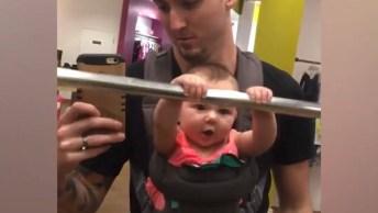 Video De Bebê Para Dar Risadas, Uma Cena Mais Divertida Que A Outra!
