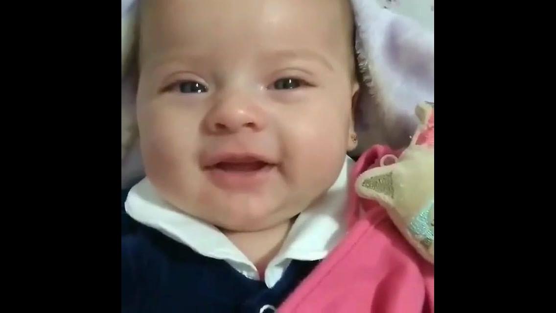 Vídeo mais lindo de hoje, mamãe canta pra bebê e olha a reação dela!!!