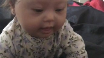 Vídeo Para Começar Bem O Dia, Olha Só O Sorriso Desta Bebê Linda!
