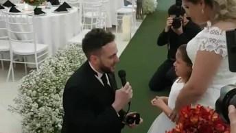 Confira O Que Este Noivo Fez, Com A Filha De Sua Futura Esposa Em Seu Casamento!