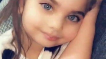 Criança Com Borboletinhas Na Cabeça, Mais Uma Bonequinha Para Compartilhar!
