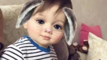 Criança Com Efeito De Aplicativo De Celular, Muita Fofura!