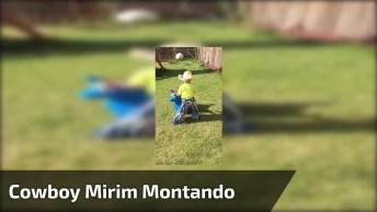 Criança Cowboy Montando Em 'Touro Bravo' No Quintal De Casa!