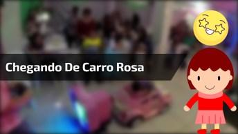 Criança De Um Ano Chega Arrasando De Carro Rosa E Muita Música Em Aniversário!