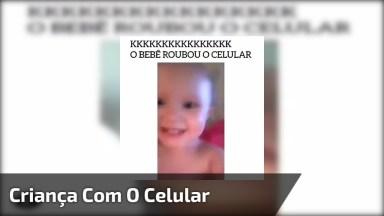 Criança Sai Correndo Com O Celular Filmando Na Mão, Veja Que Fofura!