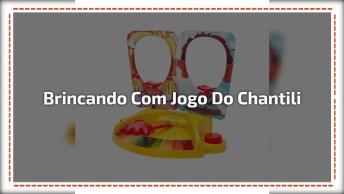 Crianças Brincando Com Jogo Do Chantili, O Que Ganhou O Chantili Não Ficou Feliz