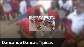 Crianças Dançando Danças Típicas, O Importante É Ser Feliz!