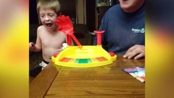 Crianças Sendo Surpreendidas Por Alguns Jogos, Para Rir Muito Hahaha!
