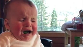 Crianças Tendo Reações Engraçadas Com Brócolis, Confira Hahaha!