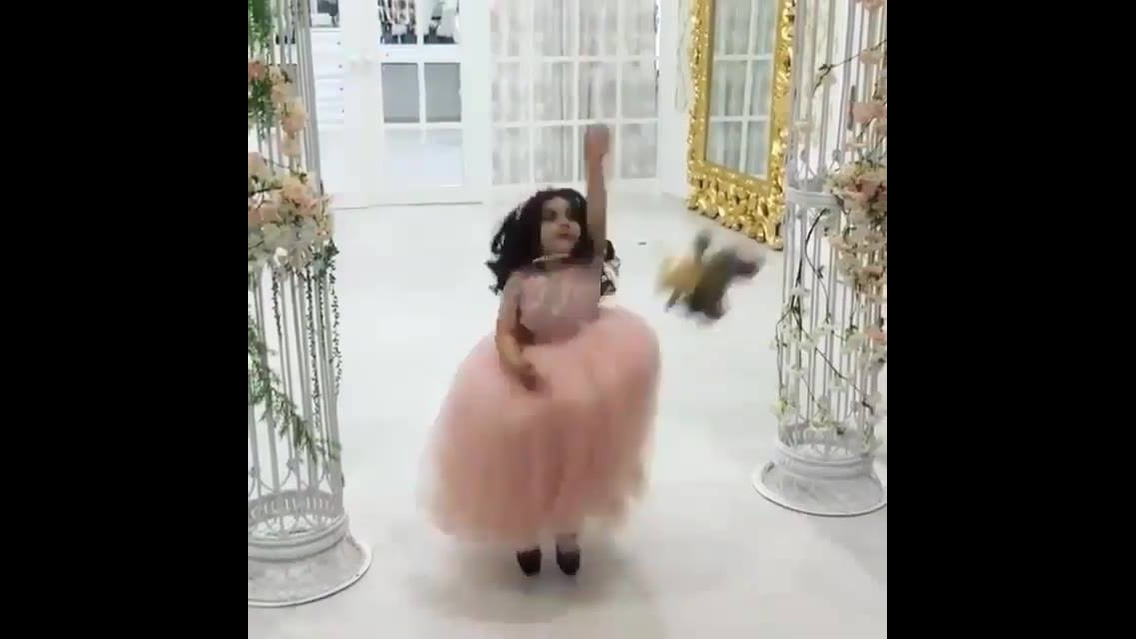 Daminha de Casamento - Ela é linda
