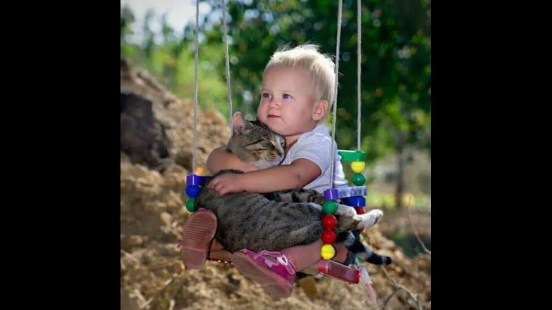Imagens de crianças e seus animais de estimação, verdadeiro amor incondicional!