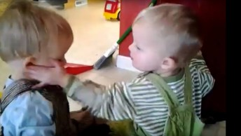 Irmãos Trollando Um Ao Outro, A Melhor Parte Da Família Os Irmãos!