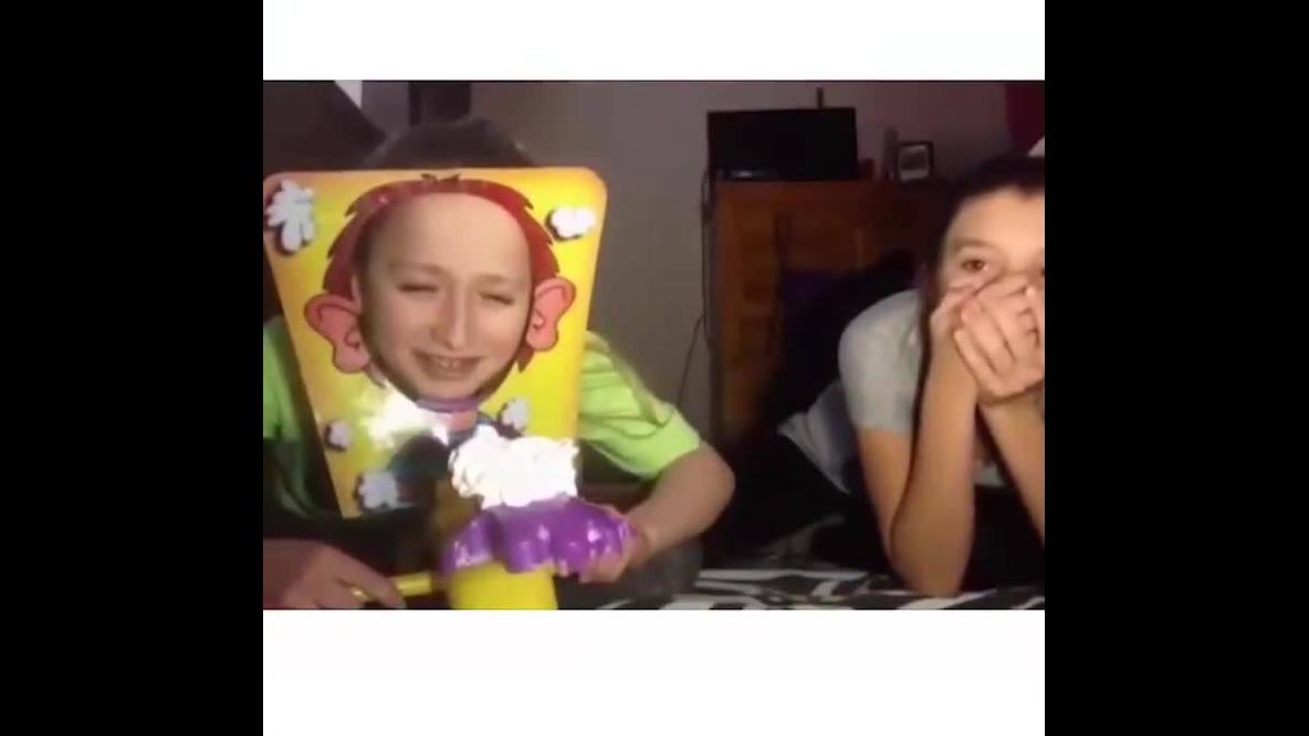 Momento de dar risadas de hoje, veja os vídeos mais engraçados com crianças!!!