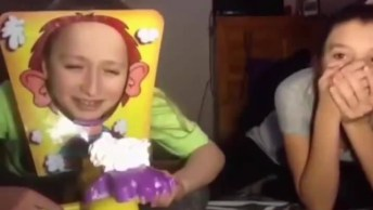 Momento De Dar Risadas De Hoje, Veja Os Vídeos Mais Engraçados Com Crianças!