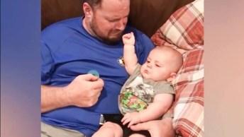 Papais Cuidando Das Crianças, Essa É A Dupla Que Mais Rende Risadas!