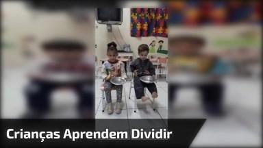 Professora Faz Algo Sensacional Para Ensinar Crianças Aprenderem A Dividir!