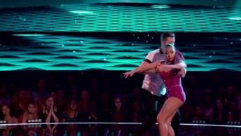 Apresentação De Dança Destes Dois Casais, Simplesmente Perfeito!