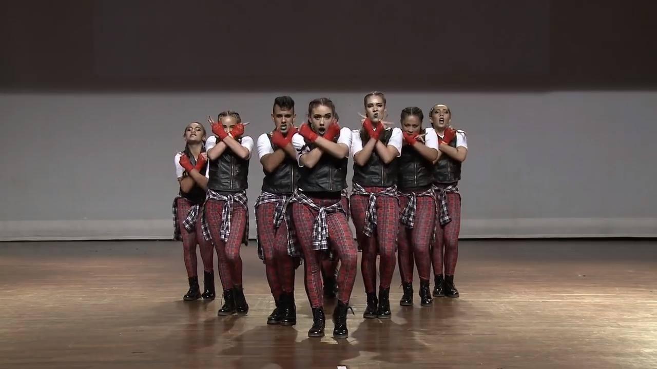 Apresentação de Dança em grupo