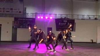 Apresentação De Dança Em Pátio Da Escola, Que Legal Que Ficou!