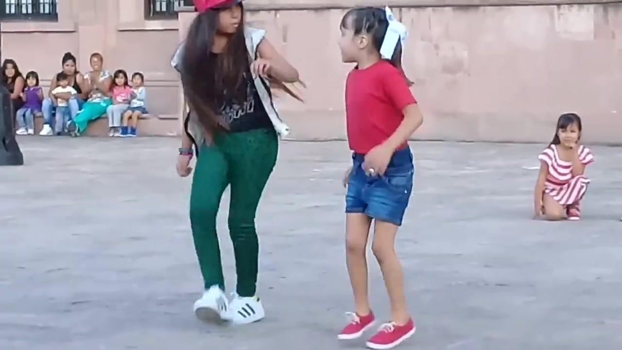 Apresentação de dança infantil