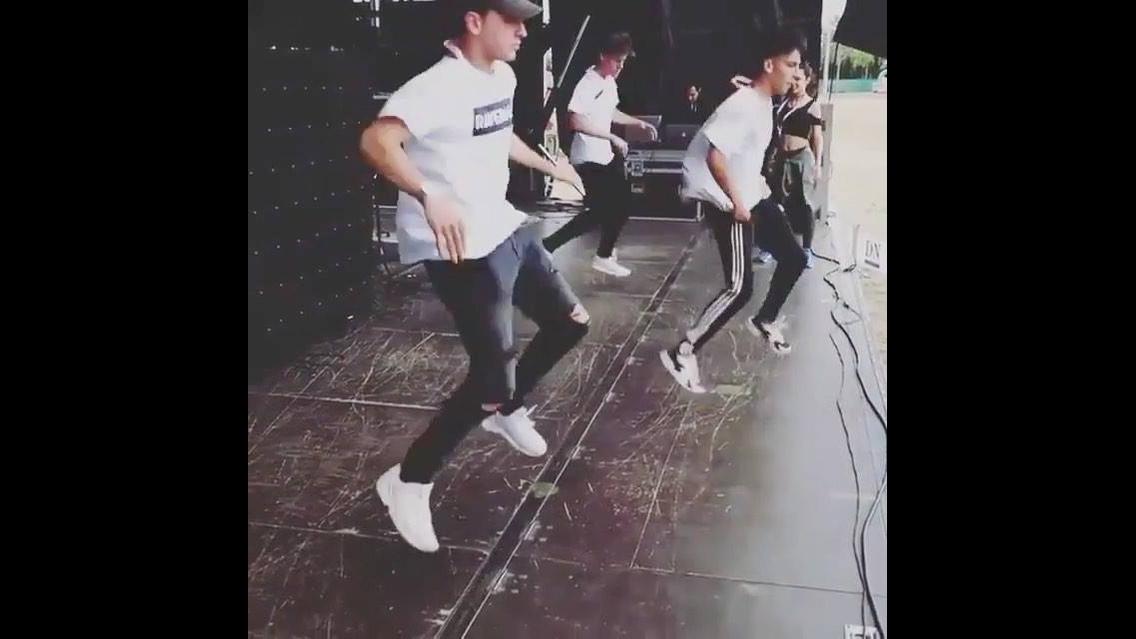 Apresentação de dança para um público de uma pessoa hahaha
