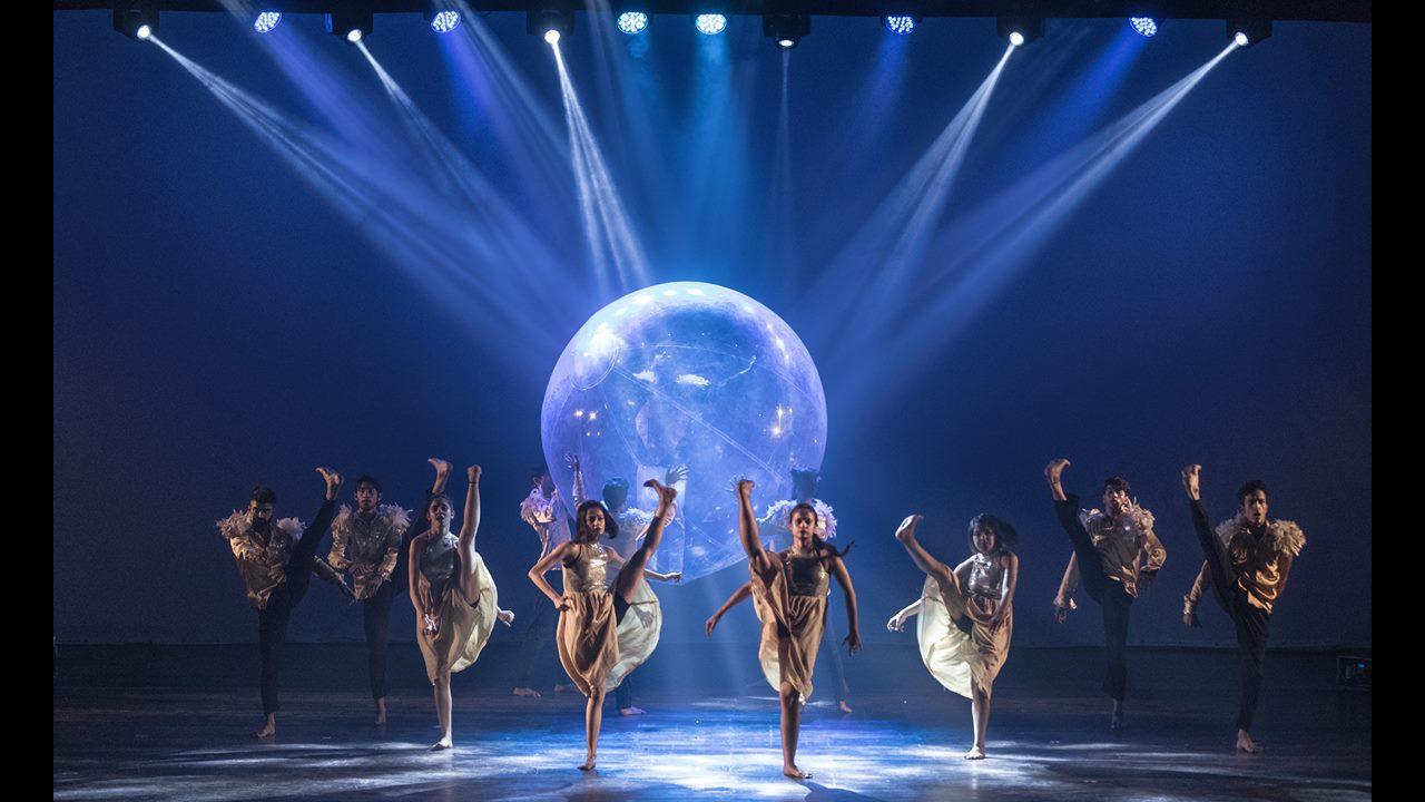 Apresentação maravilhosa de grupo de dança
