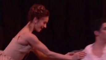 Casal Dançando Balé, Uma Coreografia Que Ficaríamos Vendo A Noite Toda!