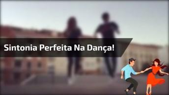 Casal Dançando, Lha Só Como Eles Mandam Bem, Vale A Pena Conferir!
