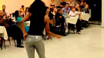 Casal Dançando Um Samba, Eles Simplesmente Arrasaram, Confira!