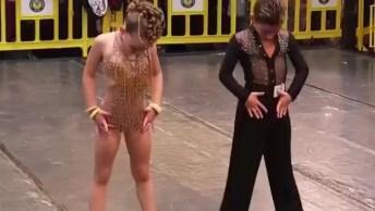 Dança De Salão Representada Por Dois Lindinhos, Olha Que Talento!