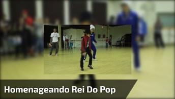 Dança Para Homenagear O Eterno Rei Do Pop, Veja Que Legal!