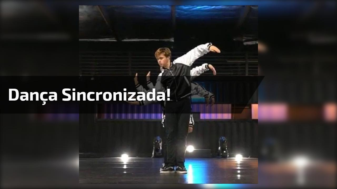 Dança sincronizada, aqui o trabalho tem que ser em equipe mesmo!