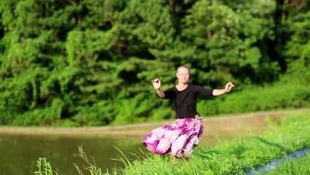 Dançando Com O Vento, Se Solte E Renove As Energias, Se Liberte!